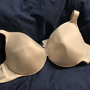 Cacique bras 46c white.  Three available